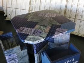 ジーンズスタイルのテーブルと椅子